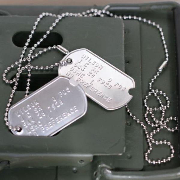 World War 2 Notched Army Dog Tags a60b4cbafeb